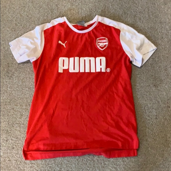 new concept 5be5d c3f5f Arsenal soccer shirt by Puma